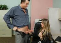 Rachel Roxxx gode un cazzo gigante