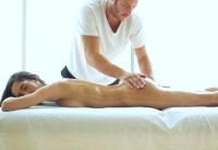 Puttana sexy chiavata dal massaggiatore cazzuto