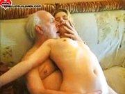 Sesso sfrenato tra nonno e nipote