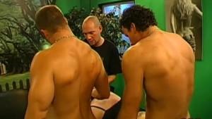 Sborrata da 4 uomini in bocca