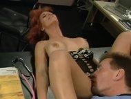 Film porno completo: cazzi e dildo enormi